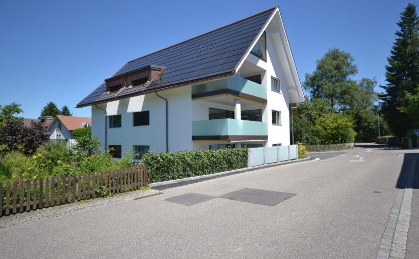 Neubau 3-Familienhaus mit Einstellhalle, Belp